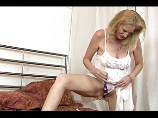 GILF on her own
