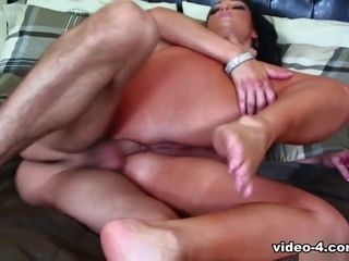 Yummy Vannah spreads their way fat spoils be advisable for anal intercourse - Fhuta