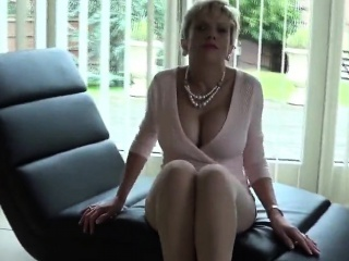 Unfaithful british mature lady sonia flaunts her huge knocke