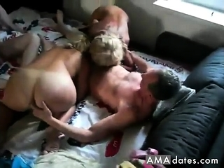 Inexperienced gf threeway oral pleasure with jizz shot