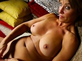 Hot adult lovemaking with an increment of cumshot