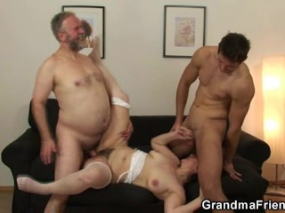 Husband does threesome with mature wife