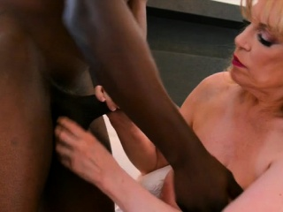Heavy heart of hearts milf interracial added to cumshot