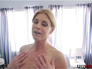 Stepson slipped fingers secure stepmoms full-grown grungy pussy