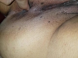 VERY HOT MATURE MOM WITH WET PUSSY