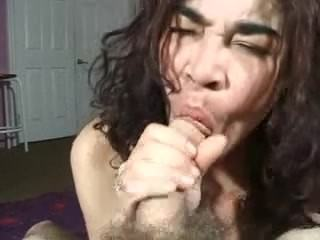 Mature beauty sucks until the cumshot ugly