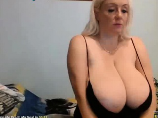 Blonde Webcam Girl With Huge Tits