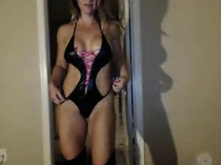 Ravishing blonde housewife puts on a magnificent show on th