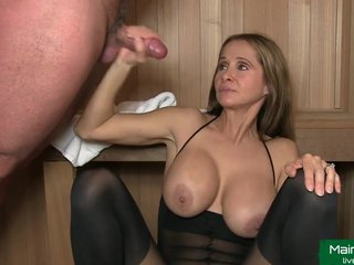 Charming Mom Wants To Have Cum On Face