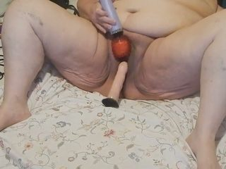 Mature too fat ugly and disgusting webcam whore was fucking with toys