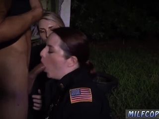 Sinewy milf mad about despondent automobile Jacking glean gets a difficulty Jacking he