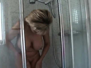 Unfaithful british milf gill ellis shows her huge jugs
