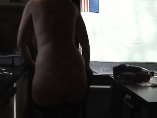 Huge butt mature nude in her home