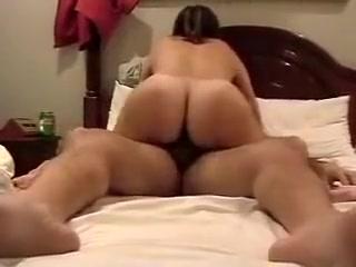 Une maitresse poilue qui baise supah bien