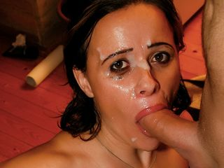 Black-Haired COUGAR gets spunk all over her face