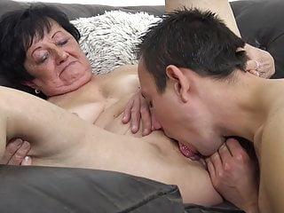 He boinks grannie!