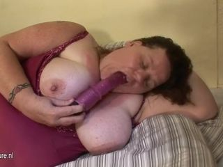 Fat mature ma frolicking with herself