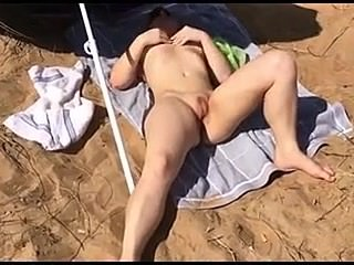 Deutsche Amateur public nudist couple at the beach