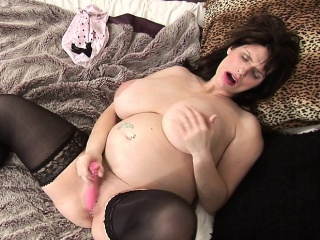 Hot pregnant mature mumsy gets her Evan from 1fuckdatecom