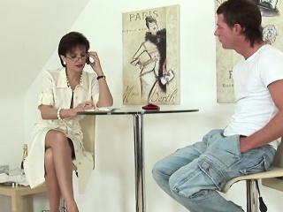 Unfaithful english mature gill ellis presents her huge titti