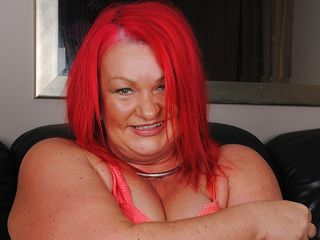 Ultra-Kinky meaty mature ginger-haired pleasuring herself