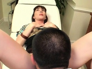 Arousing mom gets pussy checked at the docs