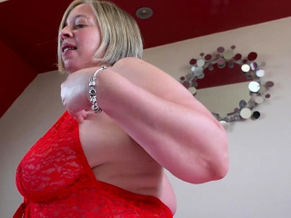 EuropeMaturE Shooting starlet tempting Solo have fun