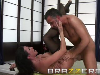 Brazzers - Ariella Ferrera & Keiran Lee - Laying the Cleaning Female