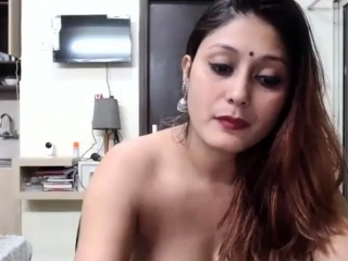 Desi Indian Aunty cam uncovered