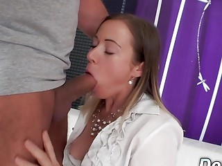Pushover spouse Has to observe His wifey Bibi Fox Get pummeled by a guy