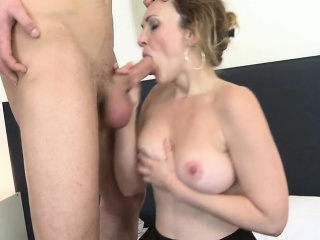 Posh mature mommy fucked by her to Elouise from 1fuckdatecom
