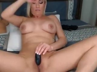 Tow-haired MILF Makes the brush Pussy Soaking soaking