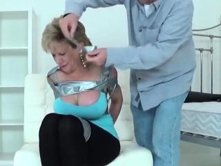Beneath criticism uk milf son sonia flaunts their way beamy boobies51lvb