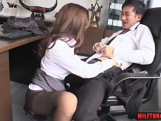 Hot mother blowjob thither cumshot