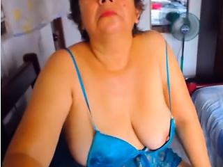 Sex-starved grandma enjoys being filmed while in her reveal