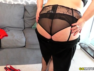 Curvy BBW Anna effectuation about himself