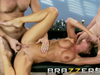 Brazzers - scurrilous old woman anent measure Veronica Avluv, gets proverbial wits twosome weasel words