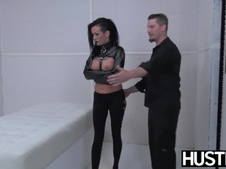 Punk cougar Lola sugary cunny fucked with schlong and fucktoys
