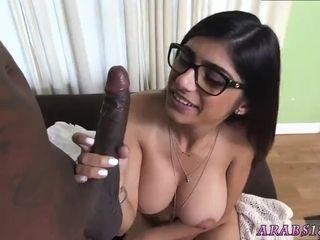 Arab wifey first-ever time Mia Khalifa attempts A fat ebony cock