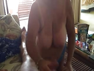 Mature Amateur suck and stroke
