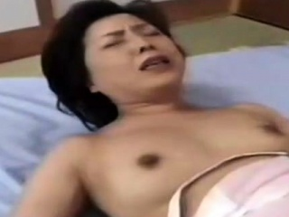 Japanese first-timer mature gal pussy-smothering