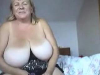 BBW Big Boobed Webcam