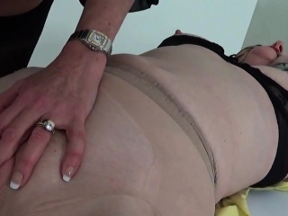 Hotwife english cougar dame sonia unsheathes her enormous77Uee
