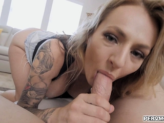 Checking stepmoms hatch with my bigcock