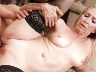 Super-sexy mature wants to perceive man meat deep in her soddening snatch