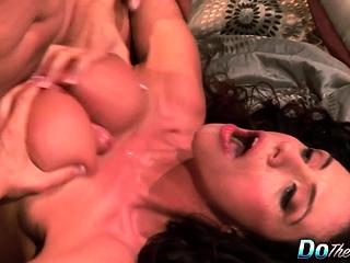 Cheating wifey Ariella Ferrara fuck fellow