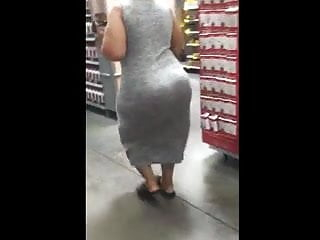 Phat butt ebony cougar at Walmart (Caught)
