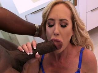 Hot pornstar interracial added to cumshot