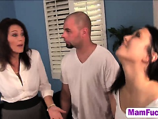Daisy Summers and her hot mom in wild threesome