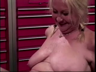 Horrific pigtailed trollop close by saggy pair gets the brush wringing wet pussy disjointed abundantly